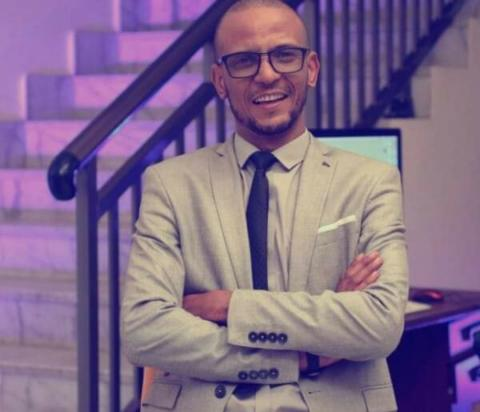 الصحفي الرياضي حمود أعمر
