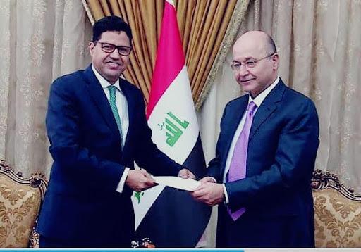 الدبلوماسي الموريتاني مع الرئيس العراقي